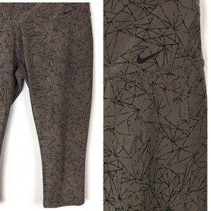 Nike Legendary Capri Tights Taupe Geometric Print